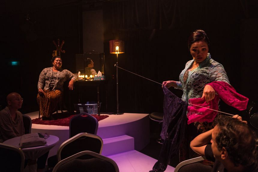 Scenes from Rosnah and Gemuk Girls are stitched together with the conceit of a pair of cabaret joget girls as the central narrative thread.