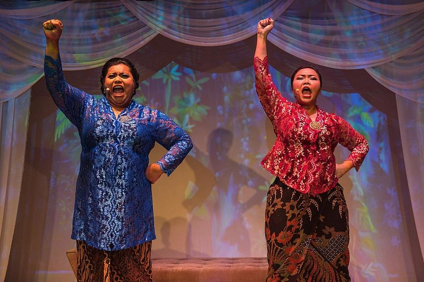 Aidli Mosbit (far left) and Siti Khalijah Zainal (left) play multiple roles with ease and charm in Kebaya Homies.
