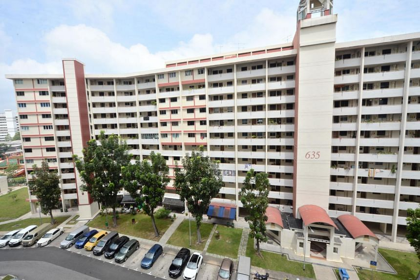 A resident living on the sixth floor of Block 635 Ang Mo Kio Avenue 6 had told PUB on Jan 13 that his tap water gave off an oil-like odour.