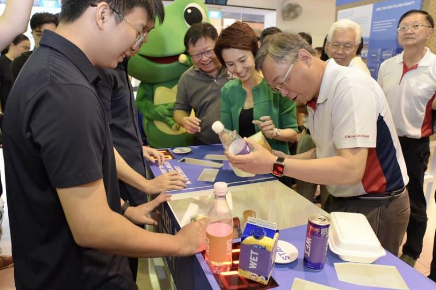 Mayor of the South West District Low Yen Ling (centre, in green), alongside Health Minister Gan Kim Yong (centre right), at the annual Clean Up South West! event on Jan 19, 2020.