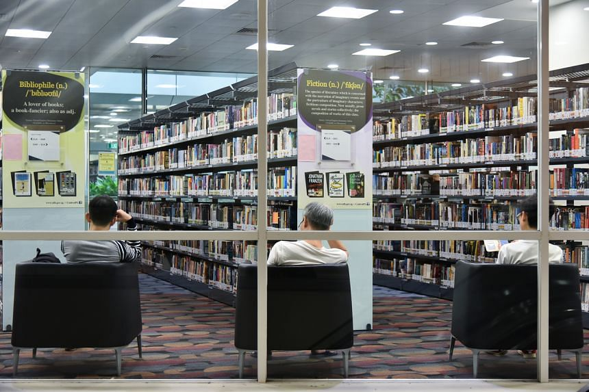 People reading in National Library.