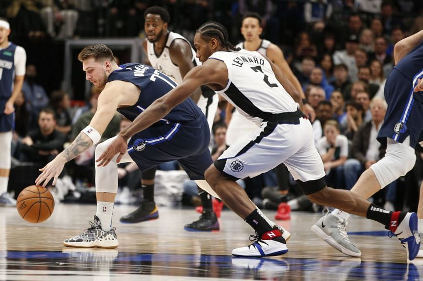 Nba Kawhi Leonard Outduels Luka Doncic As Los Angeles