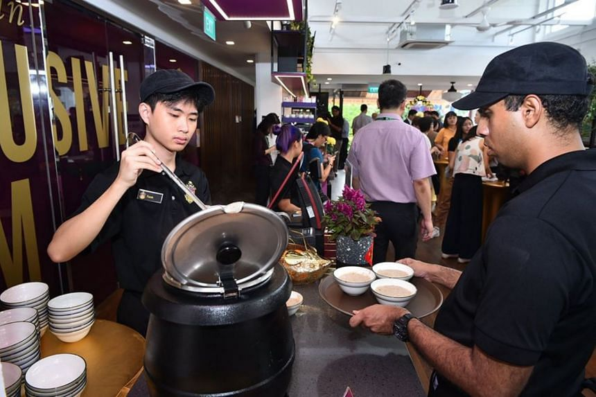This new bistro counts persons with intellectual and hearing disabilities among its 16 staff.