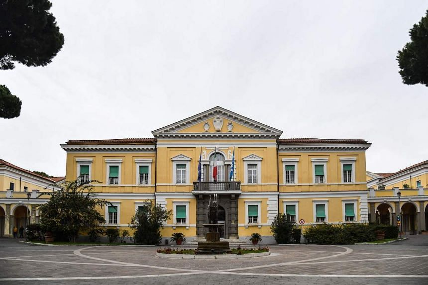 The two cases of the new coronavirus in Italy are Chinese tourists, who were put in an isolation unit of Rome's Spallanzani institute (above).