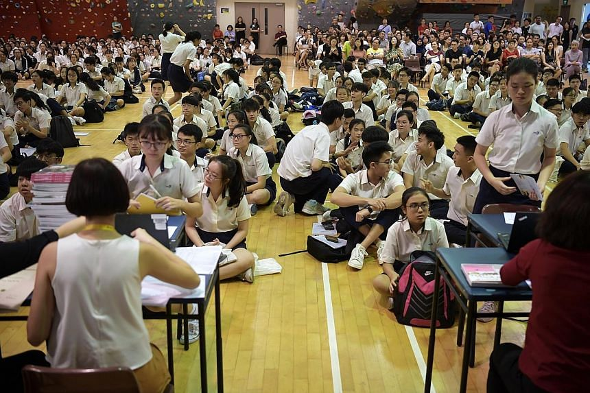 Nominated MP Lim Sun Sun says the atmosphere during the collection of exam results is one where students feel the fear of failure most acutely, and has urged the Education Ministry to give them the option of getting their results online, and in priva