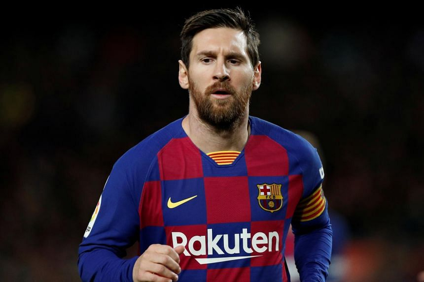 Lionel Messi tells Eric Abidal to 'give names' when criticising Barcelona players