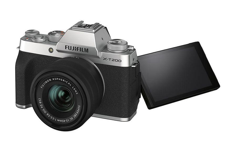 Fujifilm X-T200.