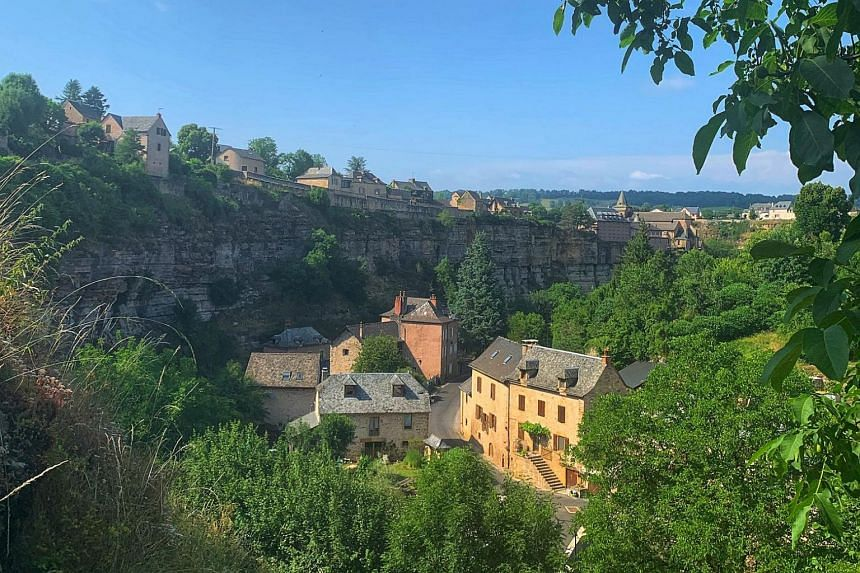 While most people live above the gorge, there are a few houses on the floor of the canyon.