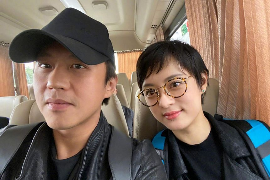 Celebrity couple Deng Chao and Sun Li were criticised by netizens, who said that their donation to the effort against the coronavirus was a small sum.