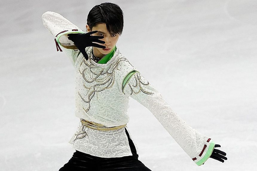 Despite mistakes in yesterday's free skate, Japan's Yuzuru Hanyu sealed the Four Continents title by a 24.6-point margin over Jason Brown. PHOTO: REUTERS