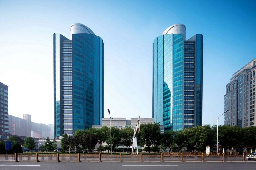 Located in the Guomao central business district in Beijing, LG Twin Towers comprises two Grade-A office towers and a retail podium.