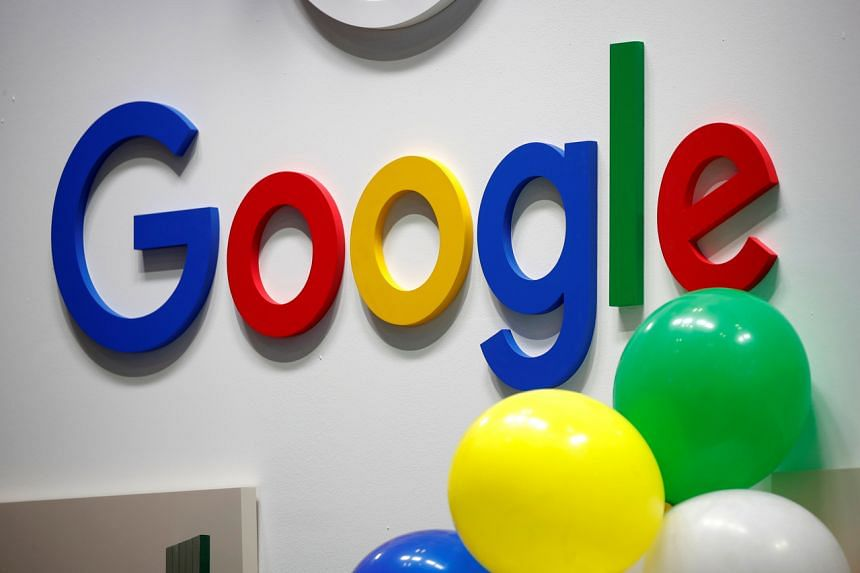 Google is in talks with publishers on paying a licensing fee for content that would be packaged in a premium news product.