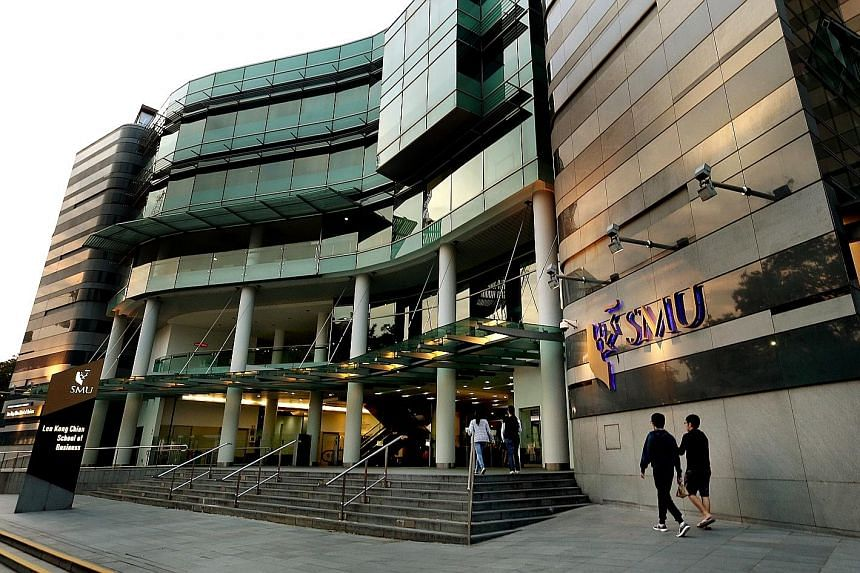 The Singapore Management University will be live-streaming most of its lessons for first-year students from next week.