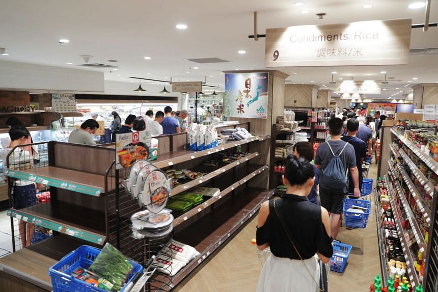 Shoppers at the Meidi-Ya Supermarket in Liang Court on Feb 8, 2020.