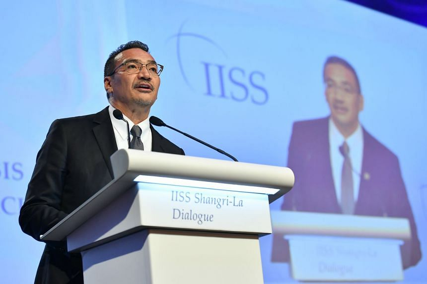Former Umno vice-president Datuk Seri Hishammuddin Hussein has rubbished talk that he has quit the party to join a new coalition government.