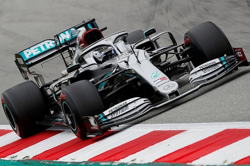Hamilton admits reliability is cause for concern at Mercedes