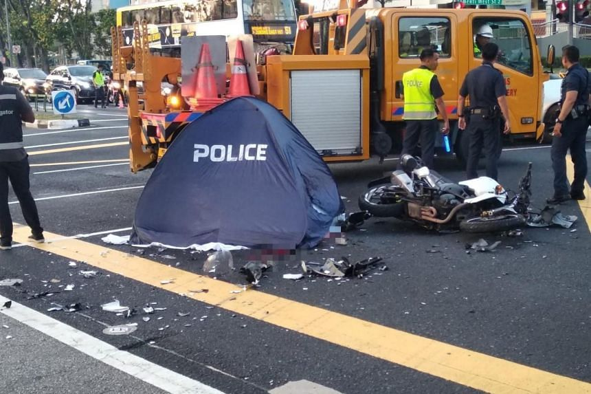 Photos of the aftermath of the accident on social media show the damaged motorcycle lying on the road with a blue police tent set up beside it.