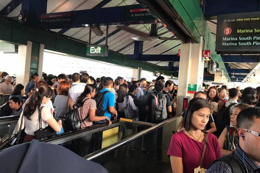 The crowd at Yishun MRT station, on March 5, 2020.