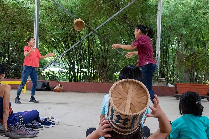 Small rattan baskets were used effectively as props in The Basket. Just Teddy, based on a book of the same title by children's author Emily Lim, is performed by The Kueh Tutus. Home-grown pioneering Malay arts organisation Sriwana performing zapin.