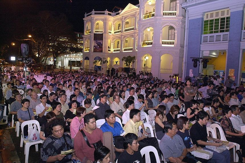 A large crowd gathered in Armenian Street in 2002 for a memorial for the late Kuo Pao Kun, founder of The Substation.