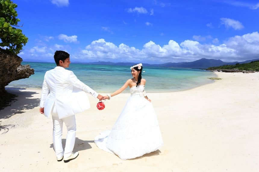 Okinawa offers tons of options for your wedding venue and photo shoot locations. PHOTO: OKINAWA CONVENTION & VISITORS BUREAU