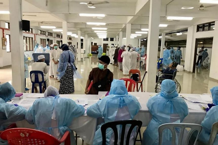 Malaysia's Health director-general, Datuk Dr Noor Hisham Abdullah, said the ministry's team had received the full cooperation of all parties for the mass coronavirus screenings.