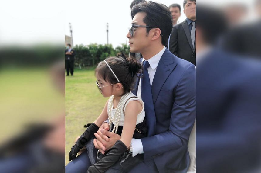 Actor Mike He with his daughter, nicknamed Meibao.
