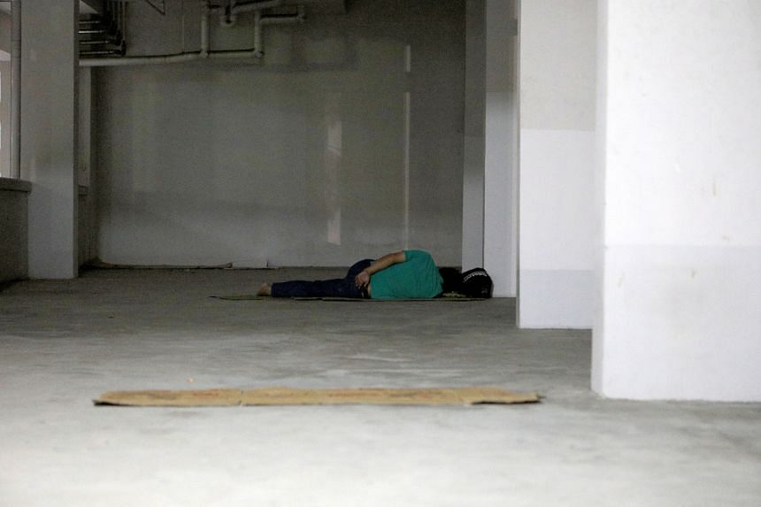 There are an estimated 921 to 1,050 people who are homeless and who sleep rough in Singapore.
