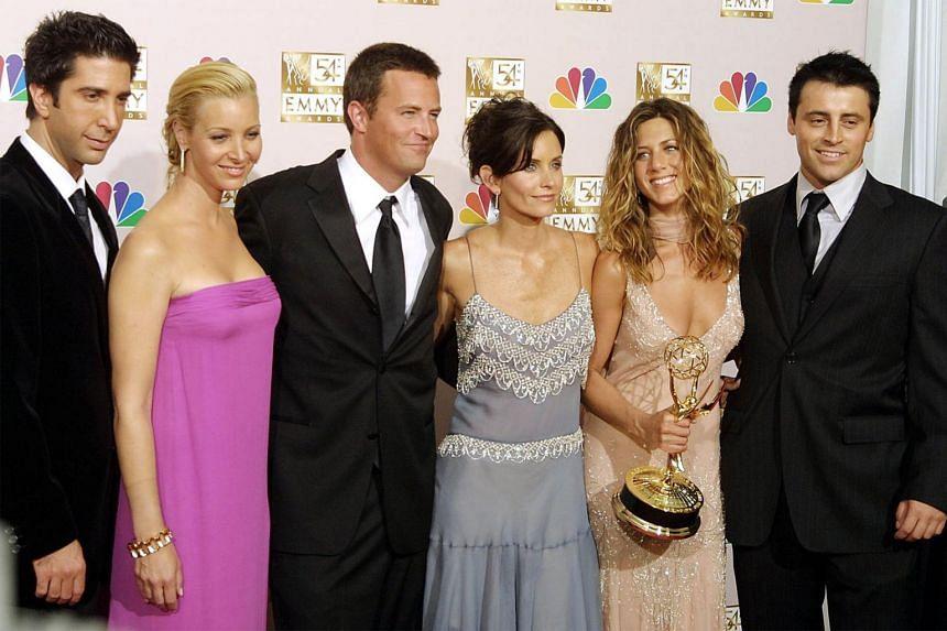 Friends stars David Schwimmer, Lisa Kudrow, Mathew Perry, Courtney Cox, Jennifer Aniston and Matt LeBlanc at an event in Los Angeles on Sept 22, 2002.