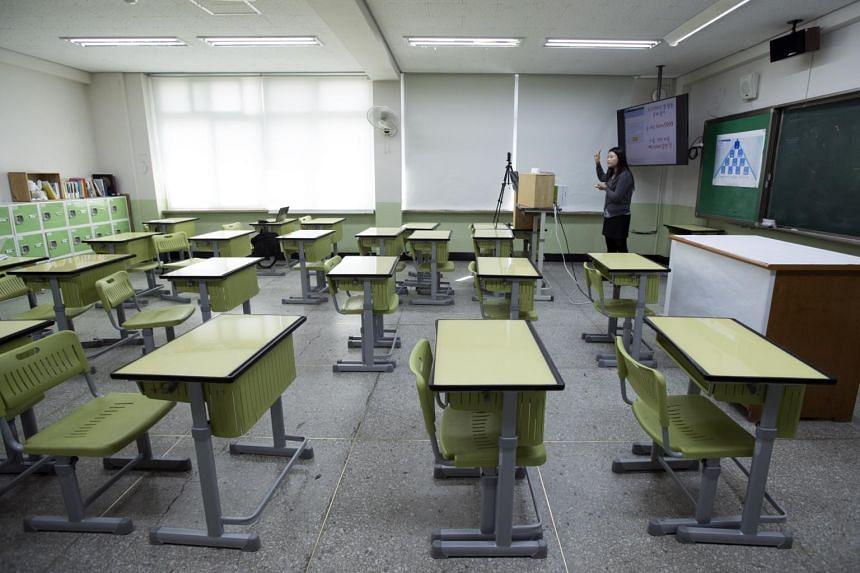 Korea to open schools online, reschedule college exam