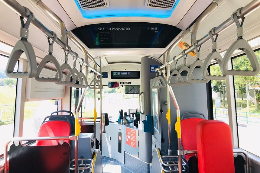 The 10 electric buses operate on services 15, 66, 944, 983 and 990. Passengers can enjoy commuter-friendly features on these buses, for example, route information will be displayed digitally on the Passenger Information Display systems (above, centre