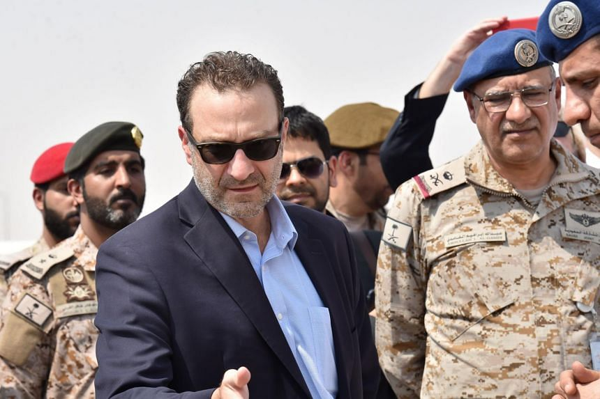 US Assistant Secretary of Near Eastern Affairs David Schenker (second right) speaks with Saudi army officers during a visit to a military base in Al-kharj in central Saudi Arabia.