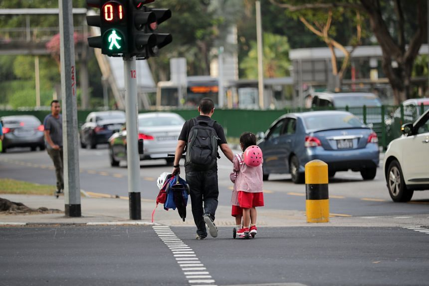 The rule barring parents from dropping off children at their grandparents' place daily was announced on April 9, 2020.