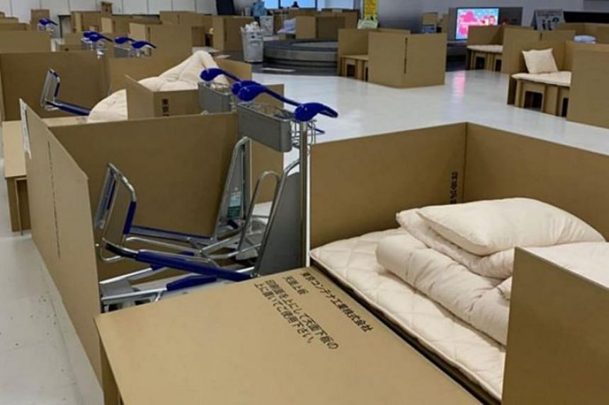 Developed for use in evacuation centres, the beds - made of heavy-duty cardboard - contain a mattress and a quilt.