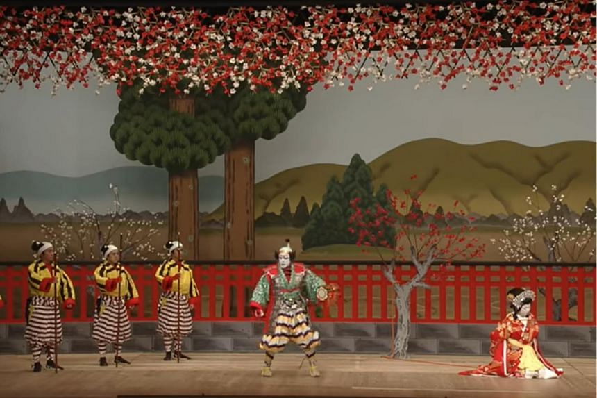 Screengrab from a free kabuki programme uploaded by the National Theatre Japan.