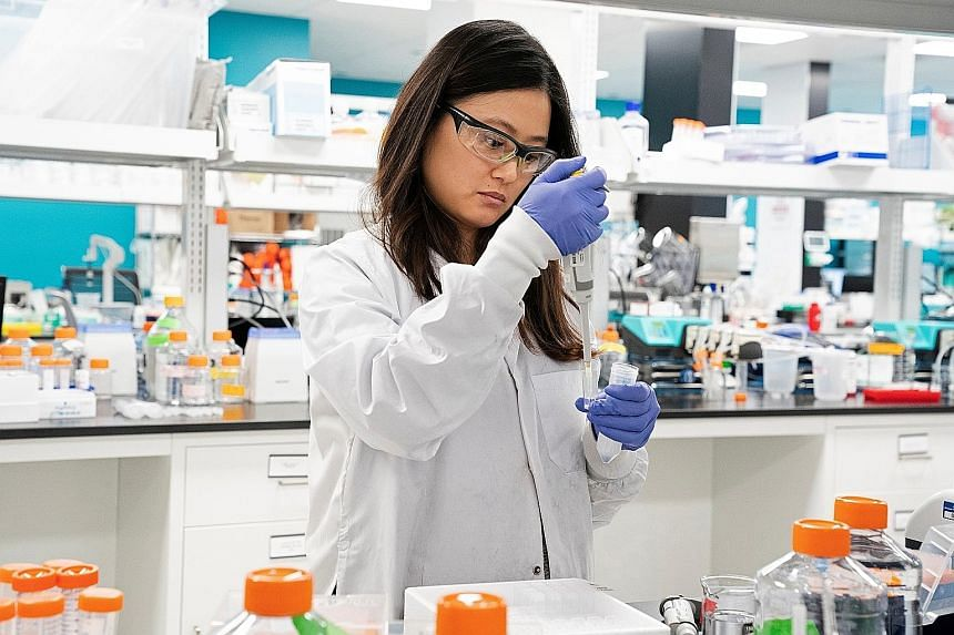 Arcturus Therapeutics research assistant Marion Hong conducting research on a vaccine for the coronavirus at a laboratory in San Diego last month. Duke-NUS Medical School in Singapore and Arcturus are now conducting pre-clinical studies on a vaccine