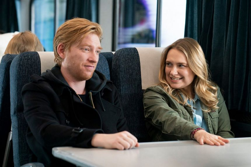 Domhall Gleeson and Merritt Wever play former sweethearts who abandon their lives to explore the possibility of rekindling their romance.