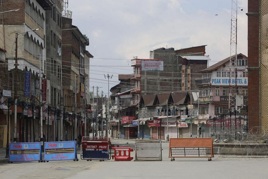 A view of a street in Kashmir on April 21, 2020. The India-Pakistan border cuts across Jammu and Kashmir.