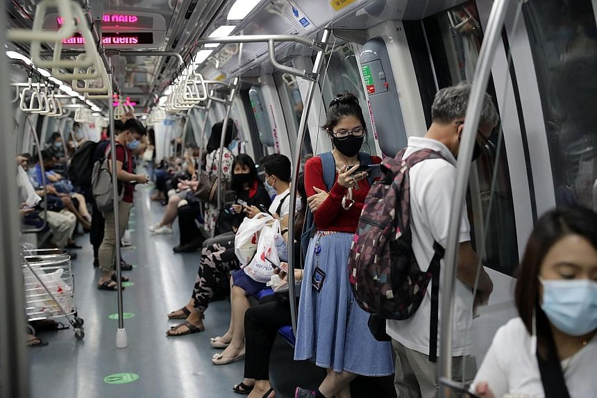 """Professor Teo Yik Ying, dean of the National University of Singapore's Saw Swee Hock School of Public Health, said that even though masks provide limited protection, given the large number of cases today, """"it is prudent, it is necessary, to protect o"""