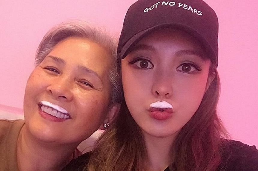 Grace Chow with Madam Lin Hsiang-lan (right), mother of Show Lo (above). Chow has unfollowed Madam Lin's Weibo account after announcing the break-up.