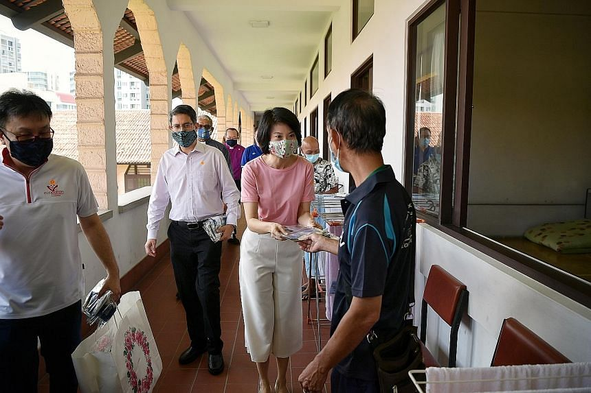 The Masks Sewn With Love project encourages people to sew cloth masks at home and have them donated to vulnerable groups such as seniors, cleaners and domestic workers. Ms Sun Xueling, Senior Parliamentary Secretary for Home Affairs and National Deve