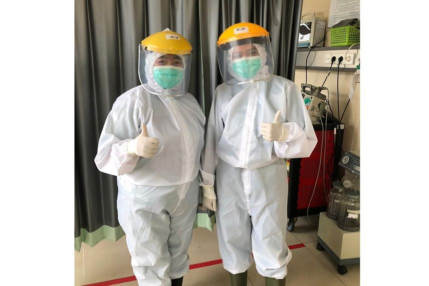 The medical coveralls produced by Ans.Ein are distributed to healthcare workers in Indonesia.