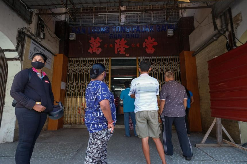 Long queues were seen outside pawnshops.