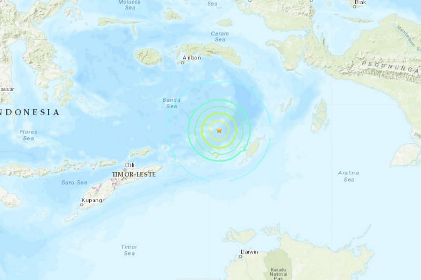 Strong Indonesia undersea quake causes panic, no tsunami risk