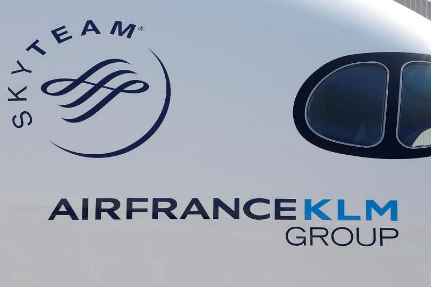 Air France-KLM's revenue fell 15.5 per cent to 5.02 billion euros in the first quarter.
