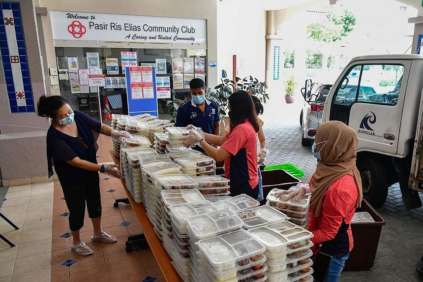 An SGUnited Buka Puasa distribution point at the Pasir Ris Elias Community Club. The initiative provides meals to healthcare workers and their families, the Islamic Religious Council of Singapore's zakat beneficiaries, as well as other families who r