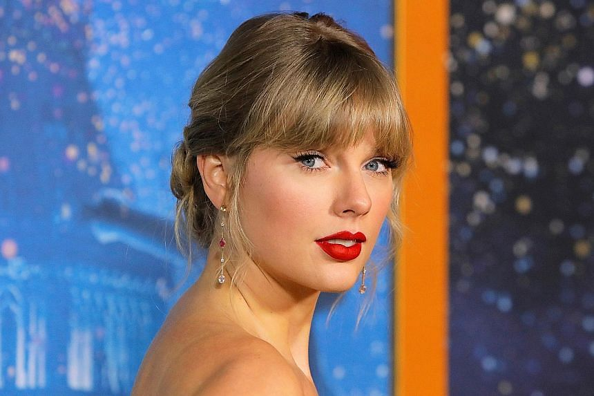 Actor Shares Photos Of Life With Taylor Swift Under Lockdown Entertainment News Top Stories The Straits Times