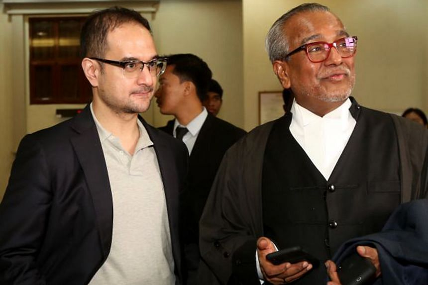 Mr Riza Aziz (left) with his lawyer Muhammad Shafee Abdullah at the Kuala Lumpur High Court on May 13, 2020.
