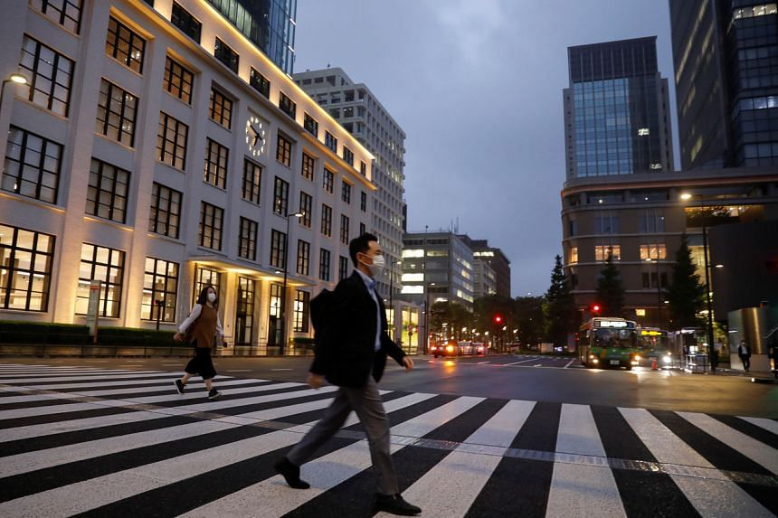 Japan plans to create schemes to inject capital into large and small companies suffering from the coronavirus pandemic.