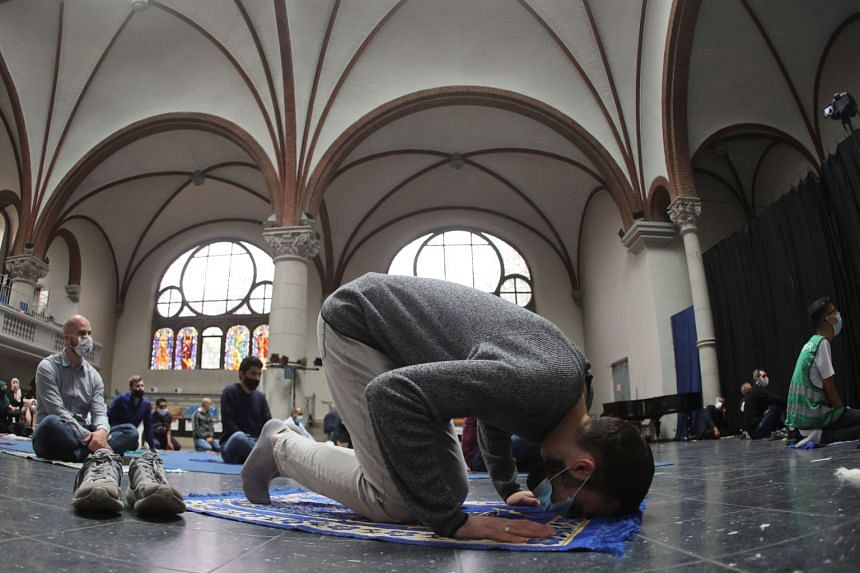German church opens doors for Muslim prayers